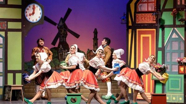 La Compagnia Italia di Operette al Teatro Apollo con Il Paese dei Campanelli