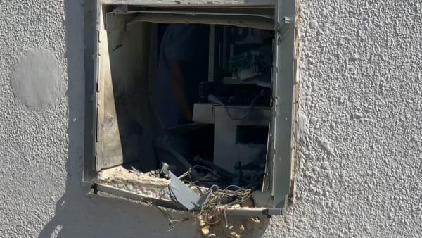 Video|I danni al postamat colpito a Veglie sono ingenti: ricercati i ladri