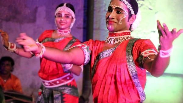 La compagnia indiana Milon Mela al Parco archeologico di Rudiae