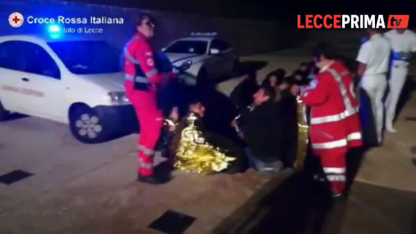 Video|Un'imbarcazione intercettata al largo del Salento dalla capitaneria