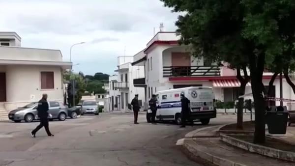 Video | Tute bianche e armi per rapinare il blindato: via con oltre 30mila euro