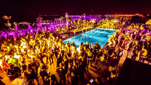 The white party all'Isola beach di Porto Cesareo