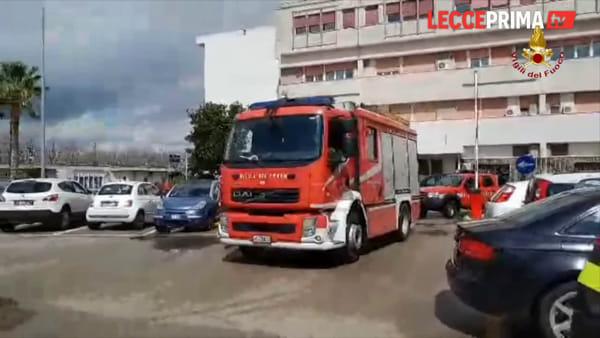 Video | In ospedale arrivano i vigili del fuoco. Ma è per donare dispositivi