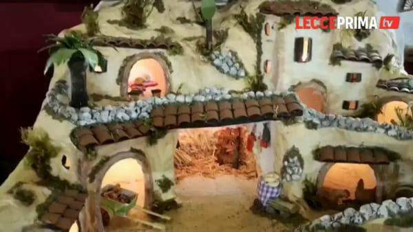 Hobbisti e maestri presepisti, al Castello Carlo V si respira il Natale