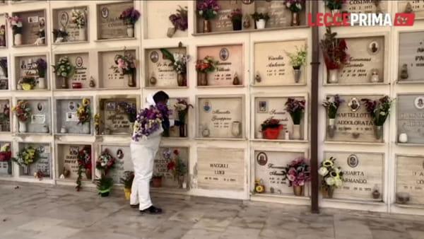 Video | Fiori donati per i defunti: un gesto simbolico e messaggio di speranza