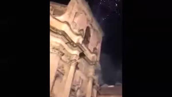 Video | Alcuni cittadini hanno immortalato la scena dei due che esplodono botti
