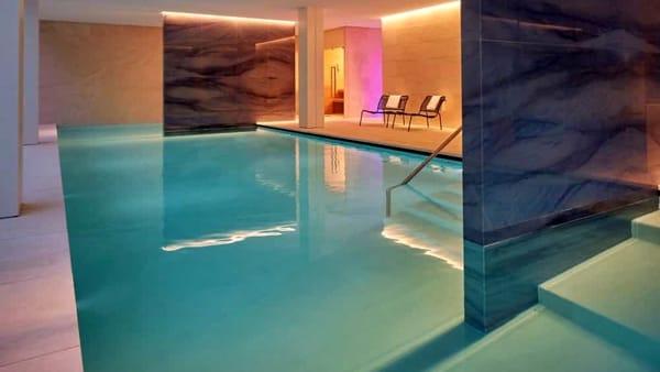 Hilton-Como-Lake-Spa-Pool-2-3